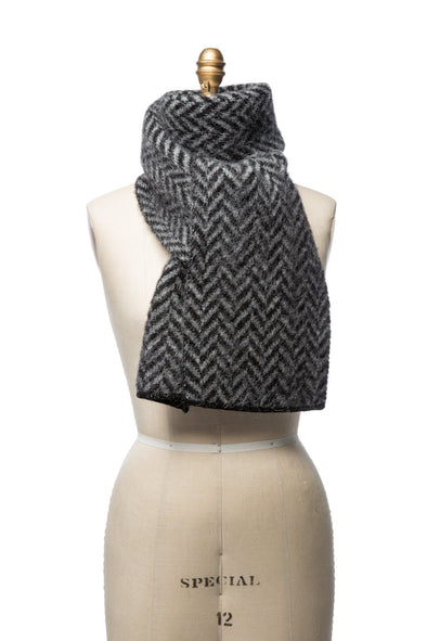 Brushed Wool Scarf - Leaf Pattern Black