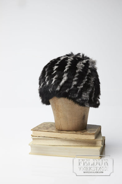 Logn Knitted Rabbit Hat w Stripes - Black and white