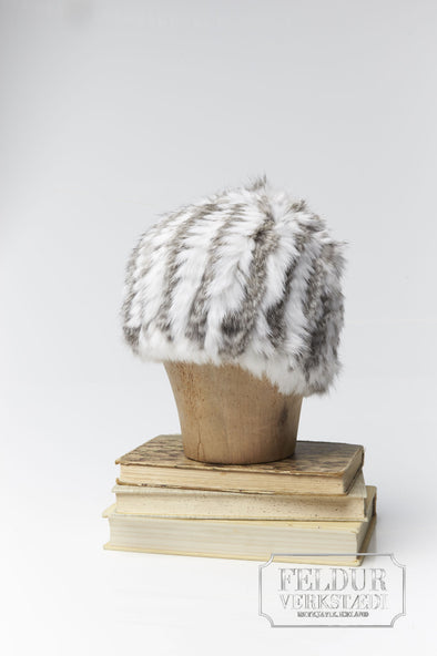 Logn Knitted Rabbit Hat w Stripes - White and natural gray
