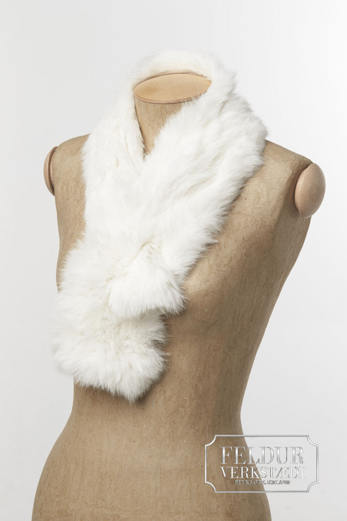 Lygna Knitted Rabbit Scarf Short White Alafoss Since 1896
