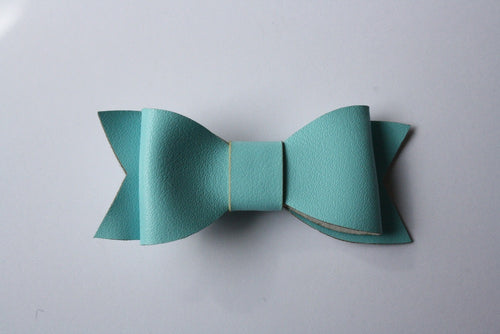 ELSA BLUE LEATHERETTE HAIRCLIP - The Willowlands