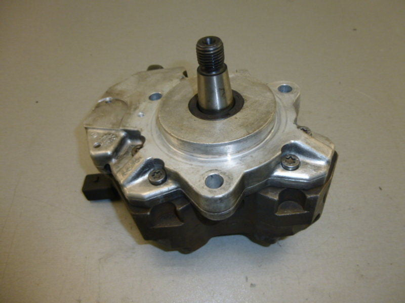 R90 CP3 High pressure fuel pump