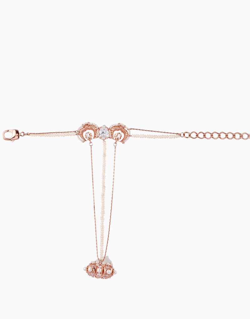 Rose Gold Pearl Lune Handharness
