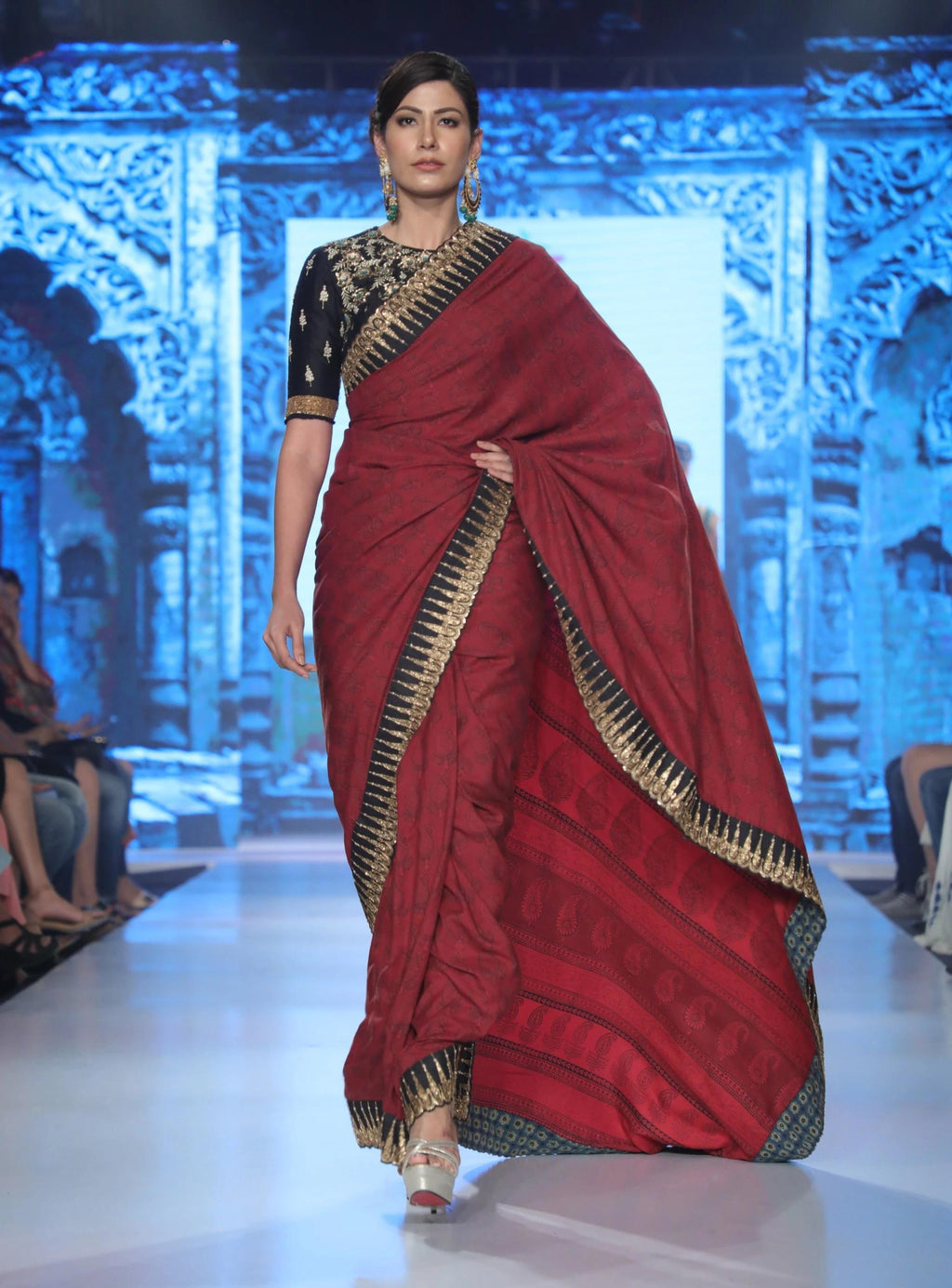 Joy Mitra - Red Embroidered Saree With Blouse - INDIASPOPUP.COM