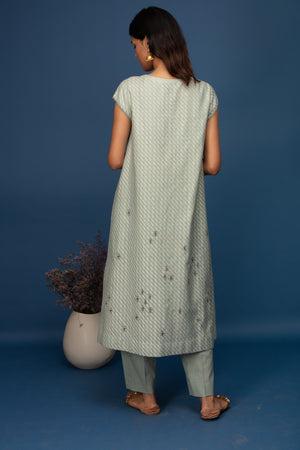 Anju Modi - Aqua Kurta Set With Cape - INDIASPOPUP.COM