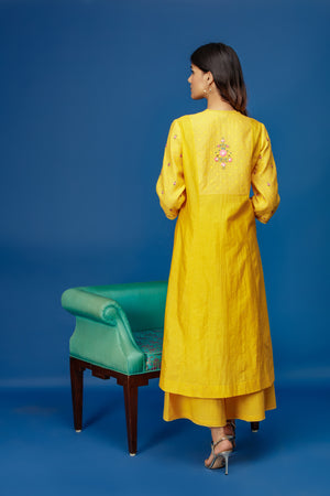 Anju Modi - Yellow Kurta Set With Palazzo - INDIASPOPUP.COM