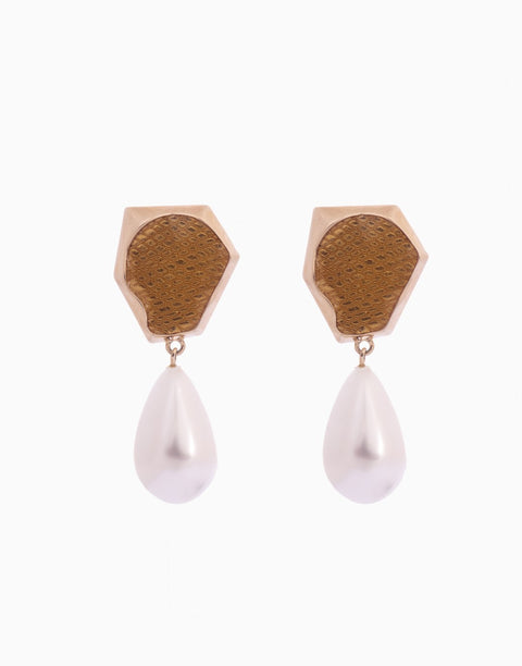 Bansri Jewelry - Gold Aria Stud Earring With Pearl Drop - INDIASPOPUP.COM