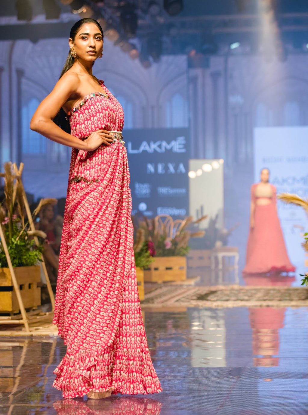 Ridhi Mehra - Pink Tube Saree With Belt - INDIASPOPUP.COM