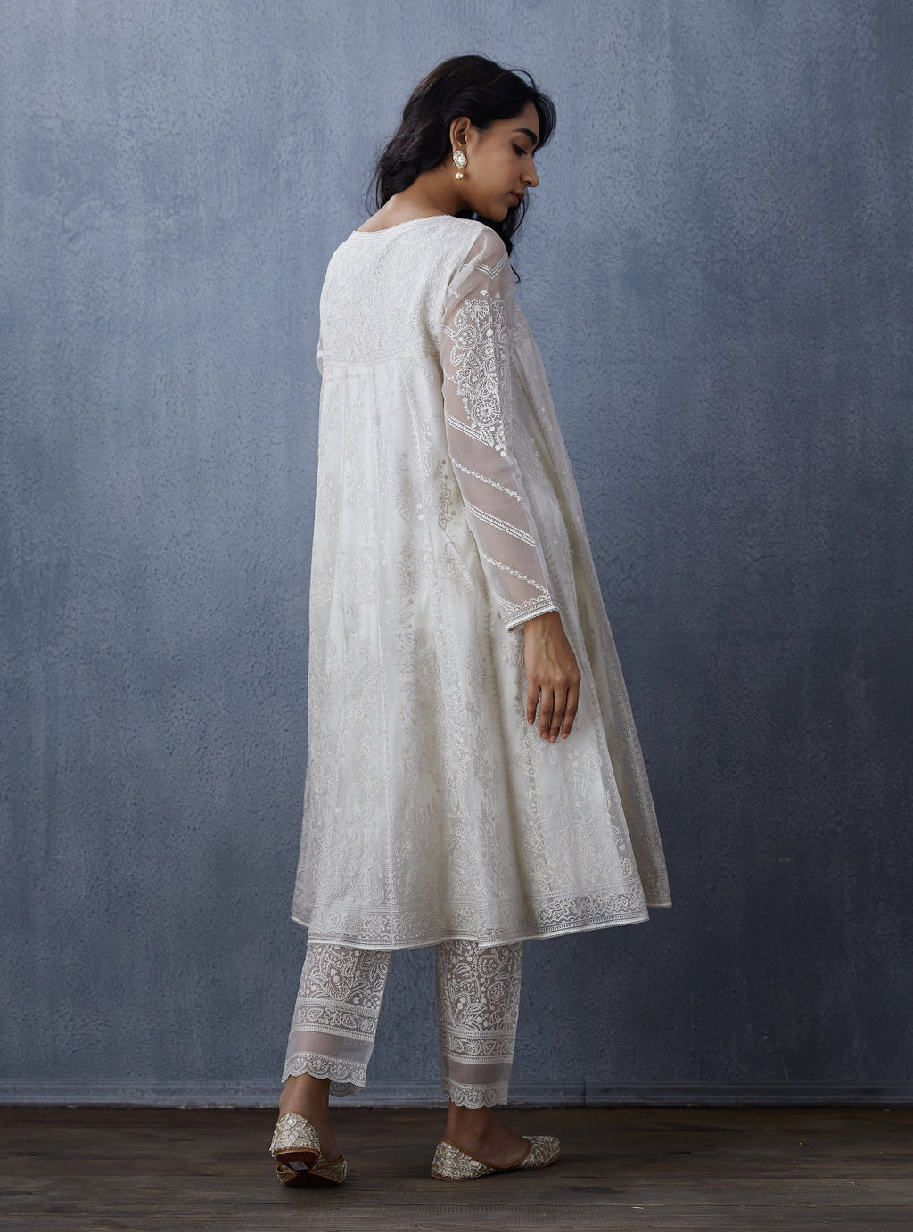 Off White Pants With Kurta & Dupatta