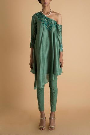 SAKSHAM & NEHARICKA GREEN EMBROIDERED KURTA SET