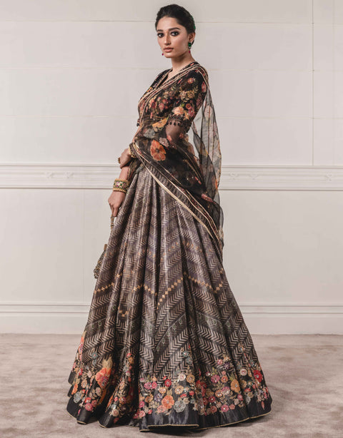 Tarun Tahiliani-Black Lehenga Set Paired With Dupatta-INDIASPOPUP.COM