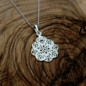 Load image into Gallery viewer, Sterling Silver Filigree Henna Pendant Necklace