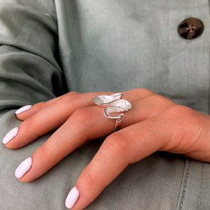 Load image into Gallery viewer, Sterling Silver Ripple Wavy Loop Twist Pleated Ring