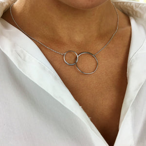 Load image into Gallery viewer, Sterling Silver Interlocking Circles Chain Necklace