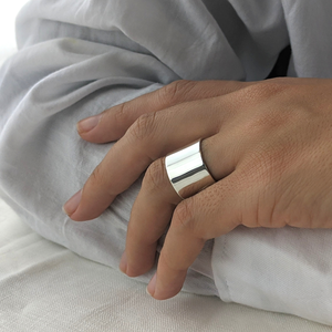 Load image into Gallery viewer, Sterling Silver Polished Plain Smooth Straight Ring