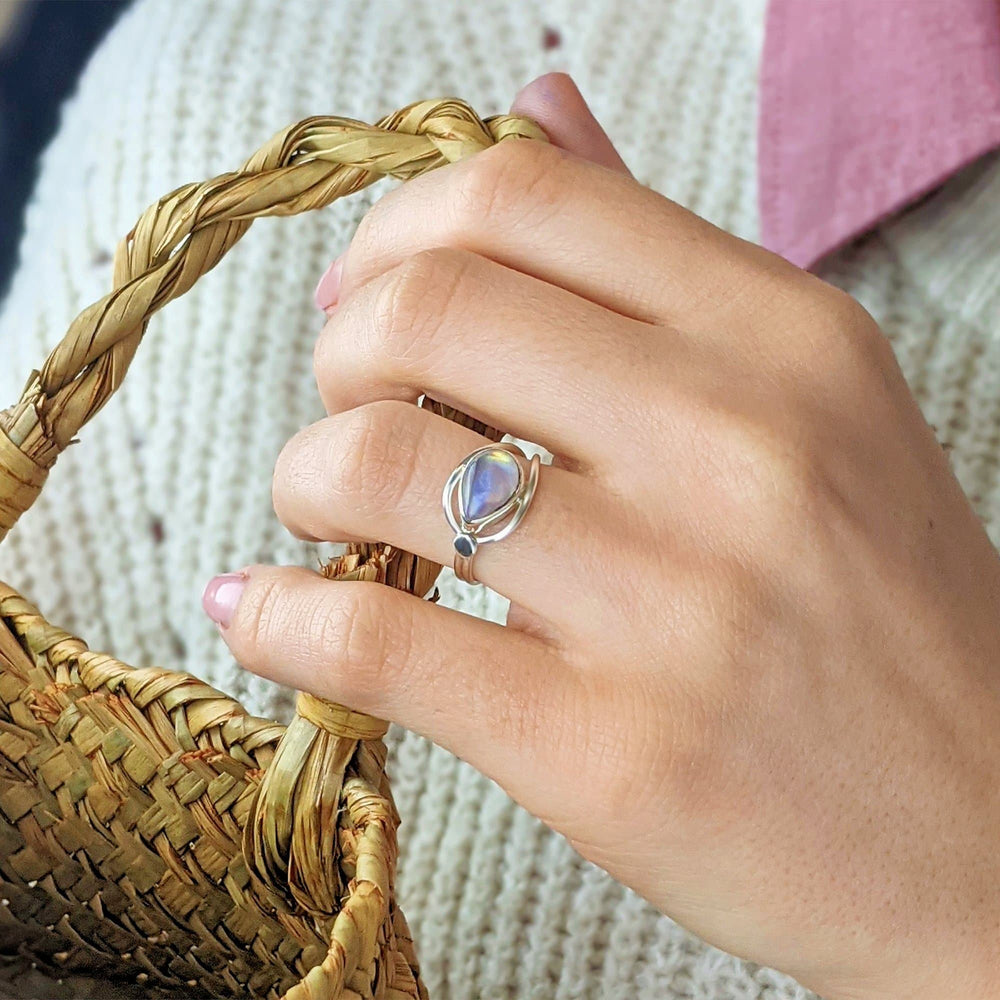 Load image into Gallery viewer, Sterling Silver Lasso Knot Moonstone Ring