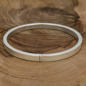 Load image into Gallery viewer, Sterling Silver 5 mm Round Hinged Bangle