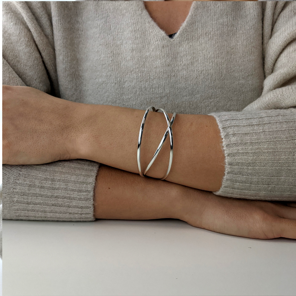 Load image into Gallery viewer, Sterling Silver Triple Interlocking Bangle