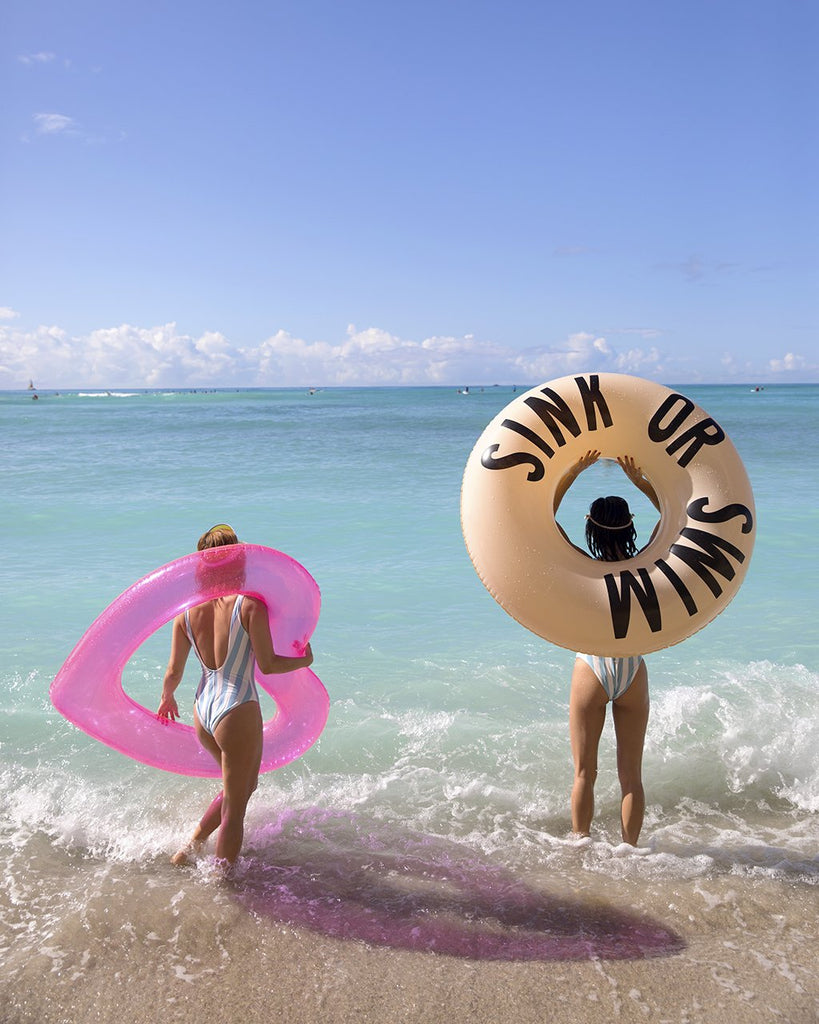 beach, please! jumbo heart innertube - translucent neon pink
