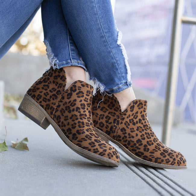 LIVVY Shoes Journee Collection