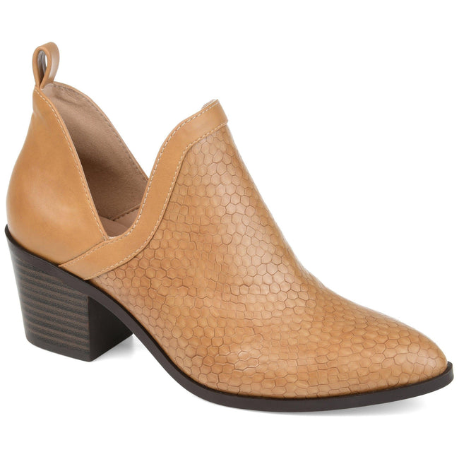 TERRI Shoes Journee Collection Tan 5.5