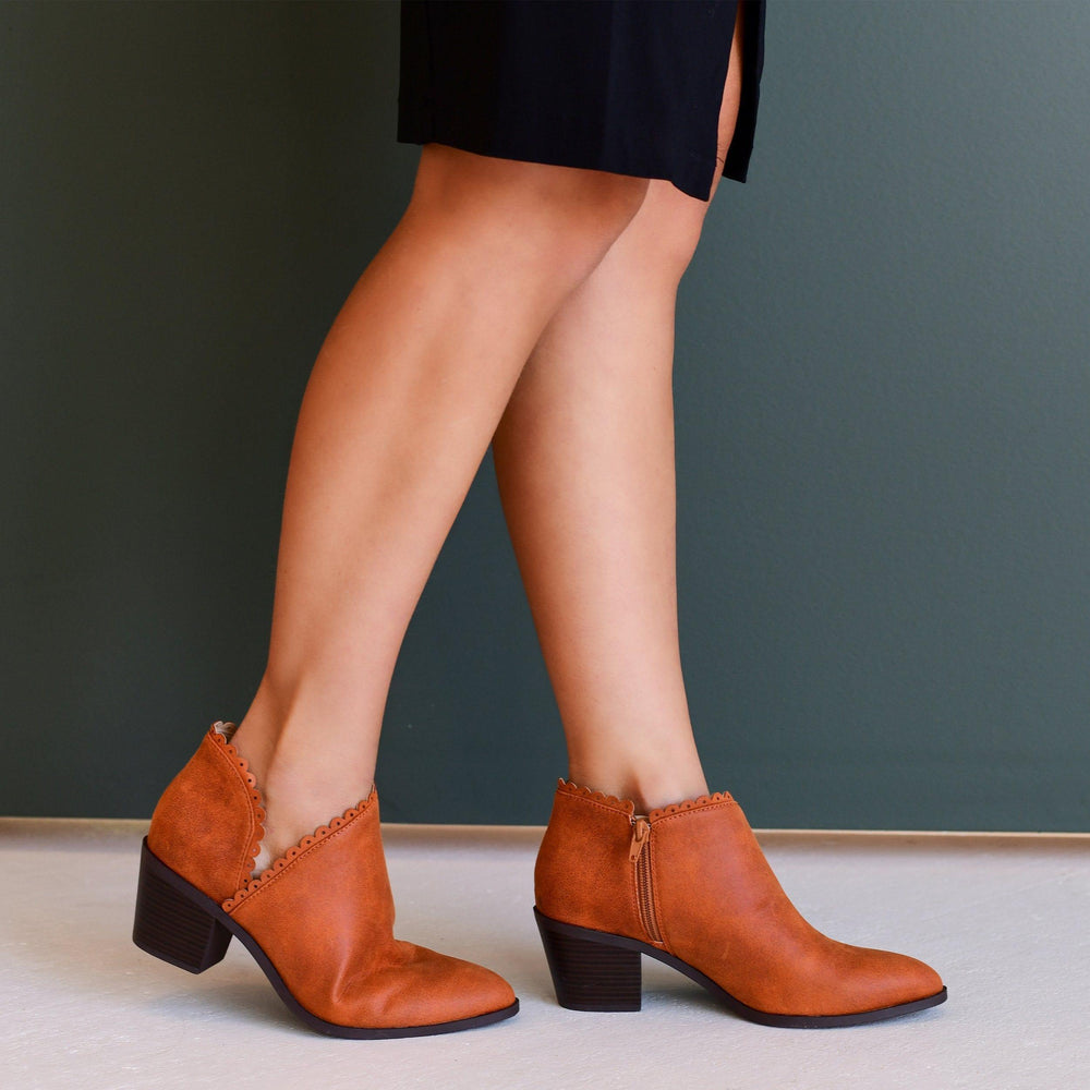 TESSA Shoes Journee Collection