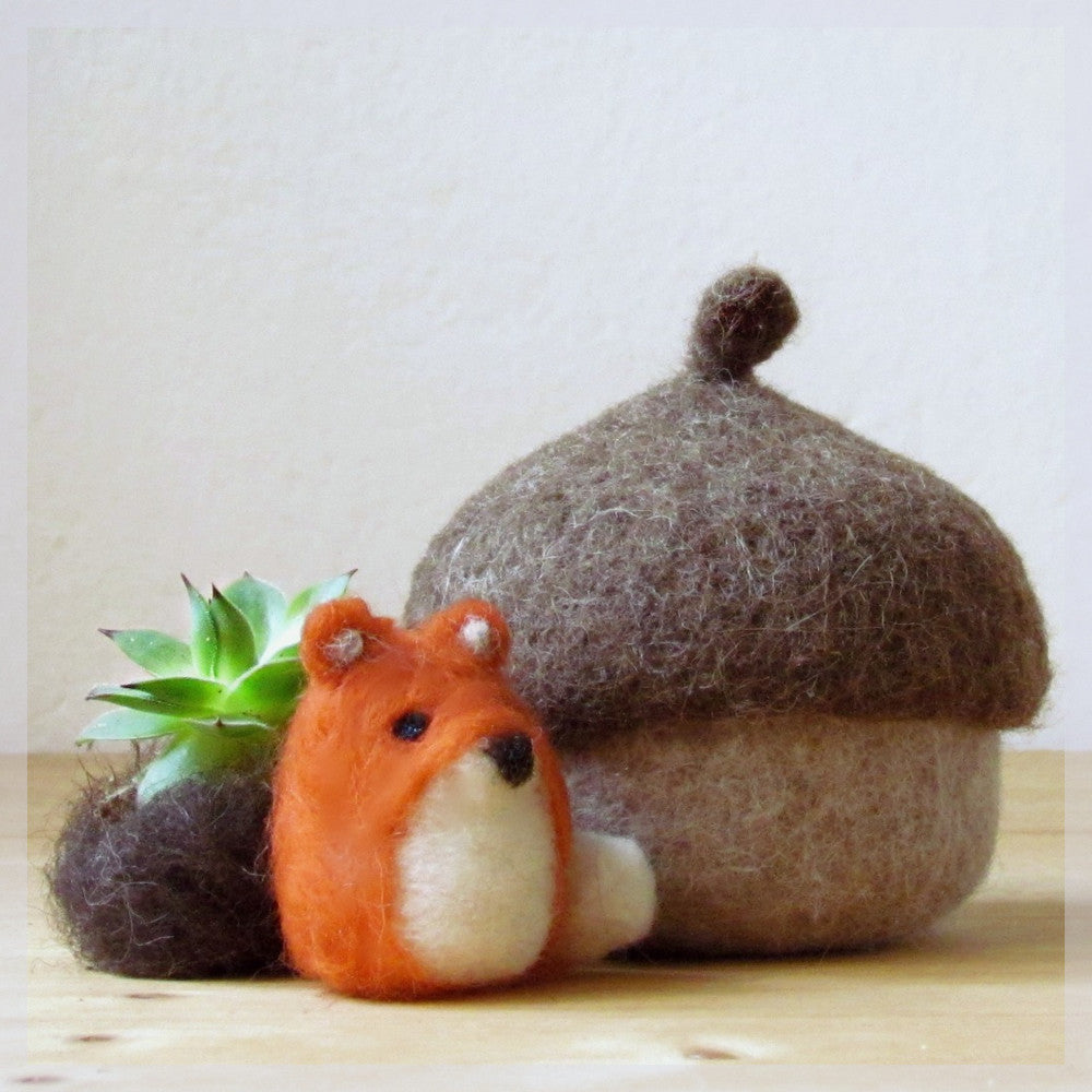 Felt acorn/Fox miniature/ fall gift/eco friendly felt play set for Waldorf nature table