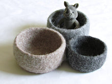 Hygge decor/Felted wool bowls/Ombré beige to grey/Eco-friendly gift/desktop organizer/Rustic decor