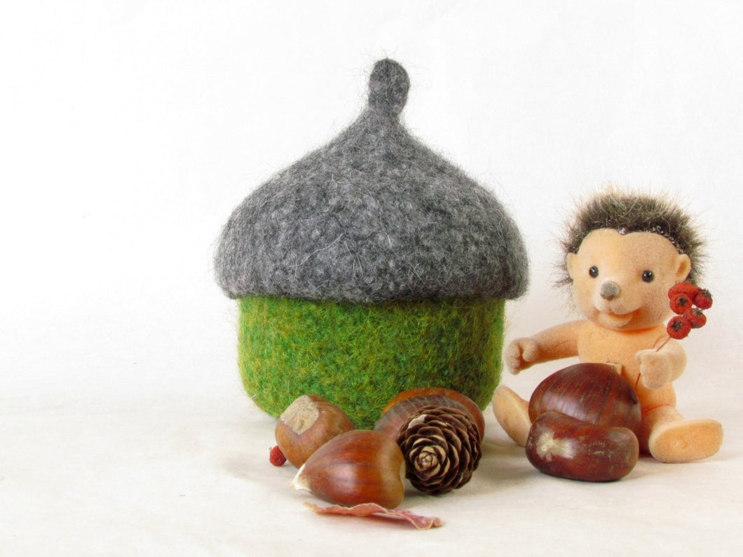 Felted acorn bowl - Organic eco-friendly - waldorf toy - Grey and green - treasury storage