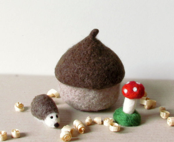 Felt acorn/hedgehog and toadstool/eco friendly felt play set/Waldorf nature table