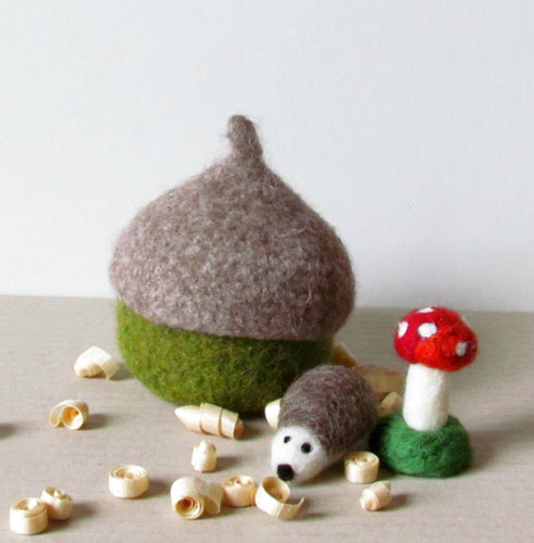 Felted acorn hedgehog and toadstool - Organic eco-friendly - waldorf toy play set - season woodland table