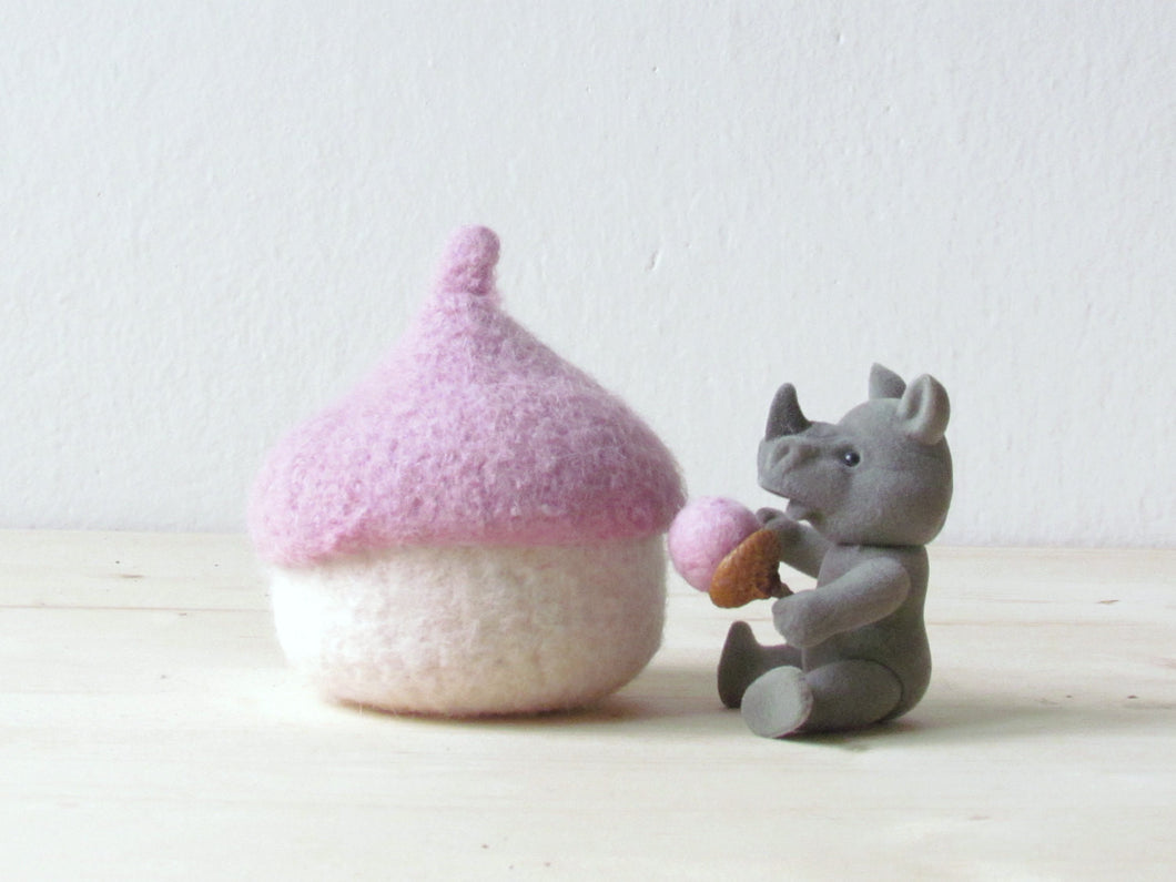 Felt acorn bowl/eco friendly toy/waldorf toy/pink/Tooth fairy pillow for girl/nursery decoration/baby shower gift