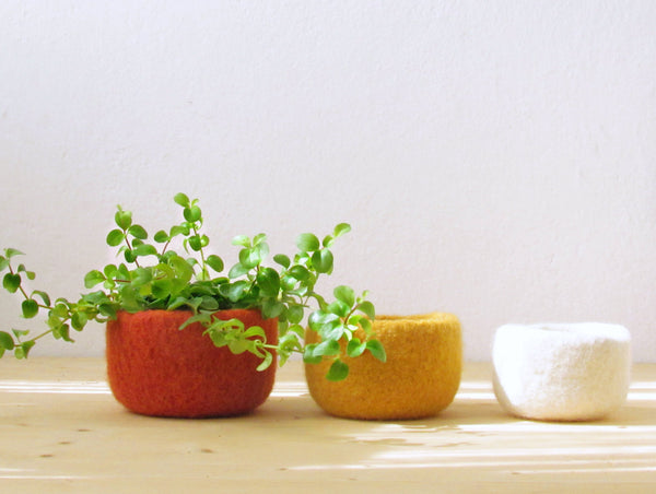 Felted wool bowls/Orange yellow and white/summer colors/Eco-friendly gift/desktop organizer/cabin decor