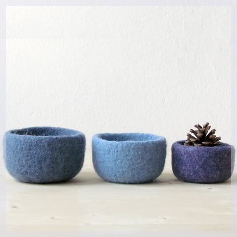 Catchall/Felted bowl/Blue home decor/Ombré blue lavender/Organic eco friendly/nesting bowls/ring holder/gift for her
