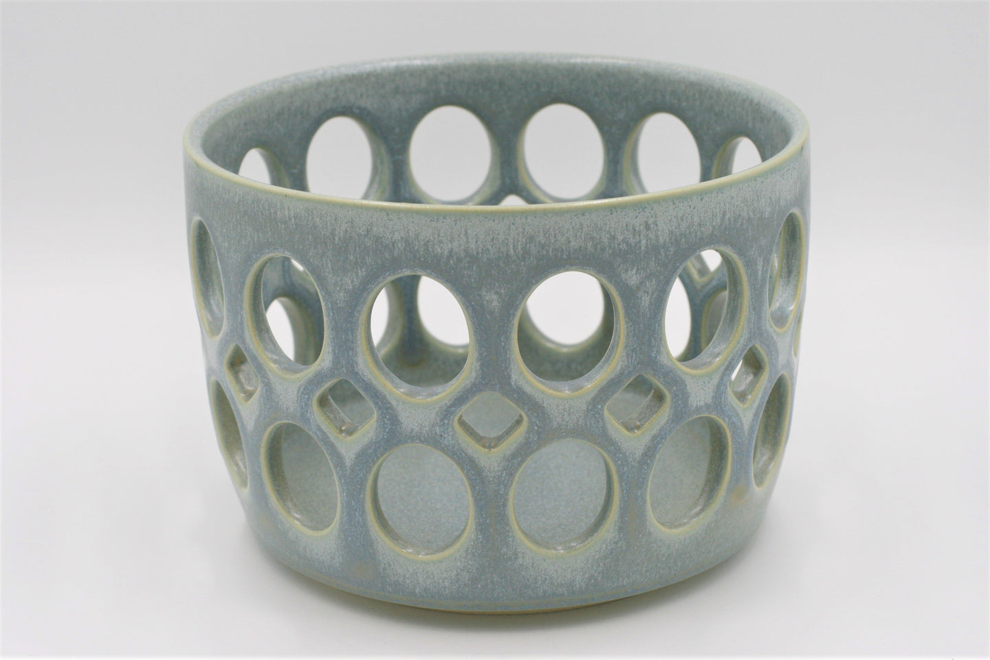 Lynne Meade: Fruit Bowl Smoky Blue