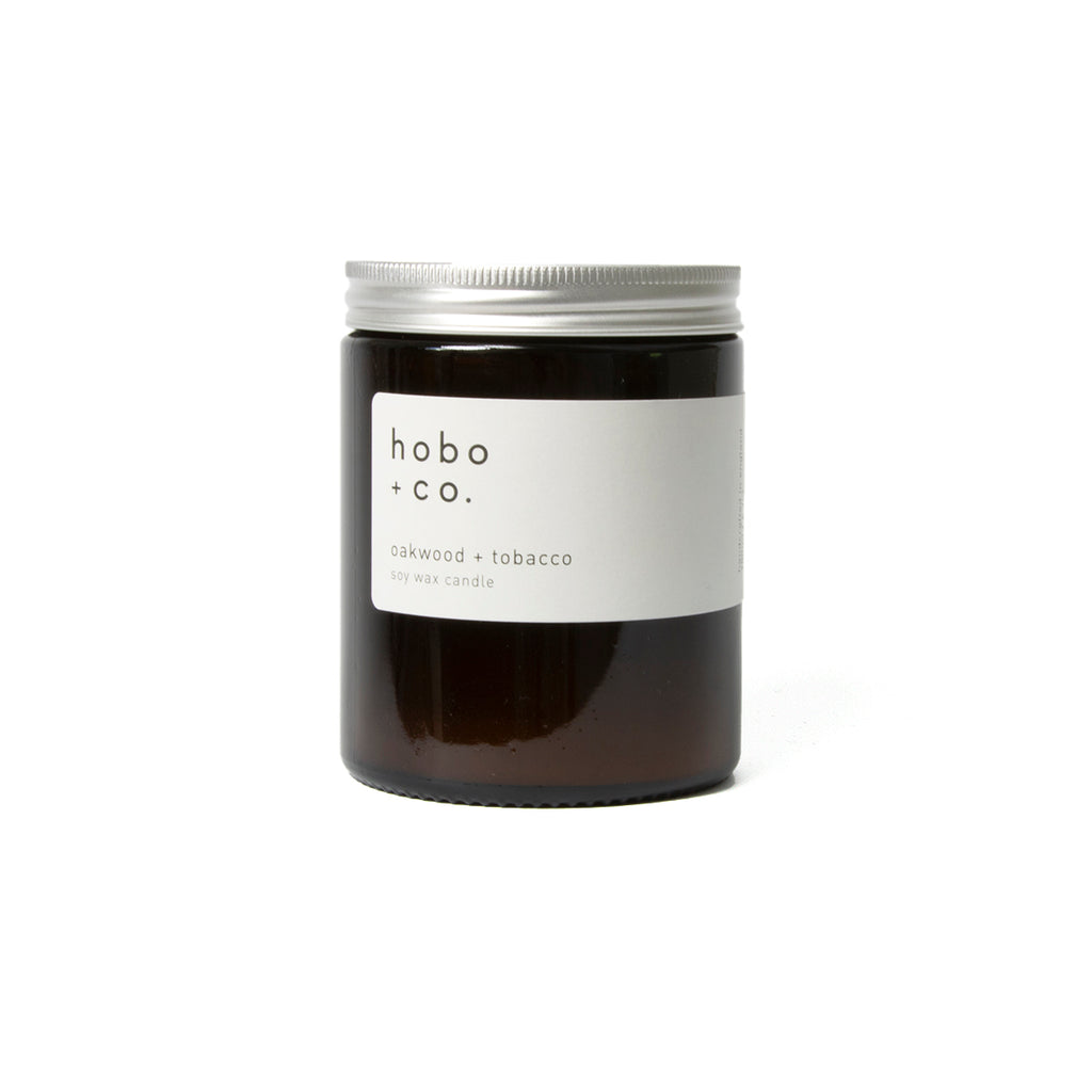 Oakwood & tobacco soy candle