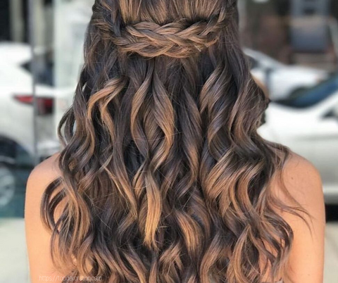 dinner date curls hairstyle