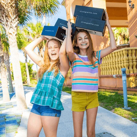 strong selfie gift boxes with teen girls