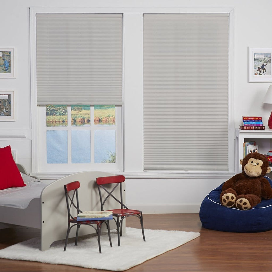 Cordless-Light-Filtering-Pleated-Shade_Silver-Gray_2