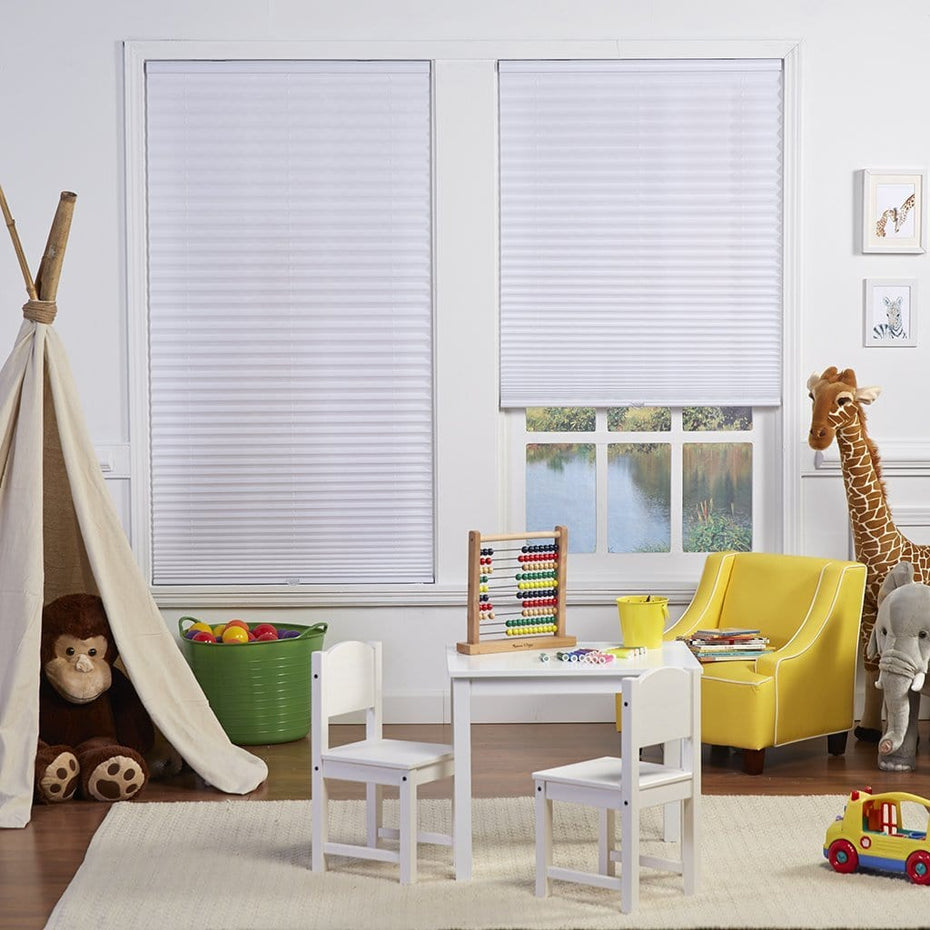 Cordless-Light-Filtering-Pleated-Shade_White_2