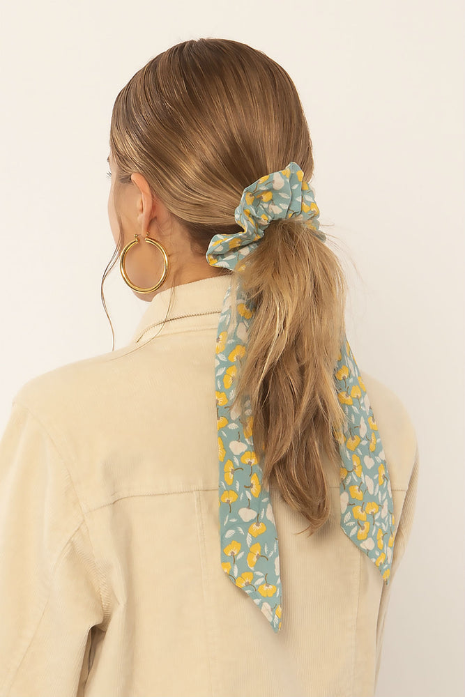 Amuse Society - Swept Away Woven Scrunchie Scarf - Natural