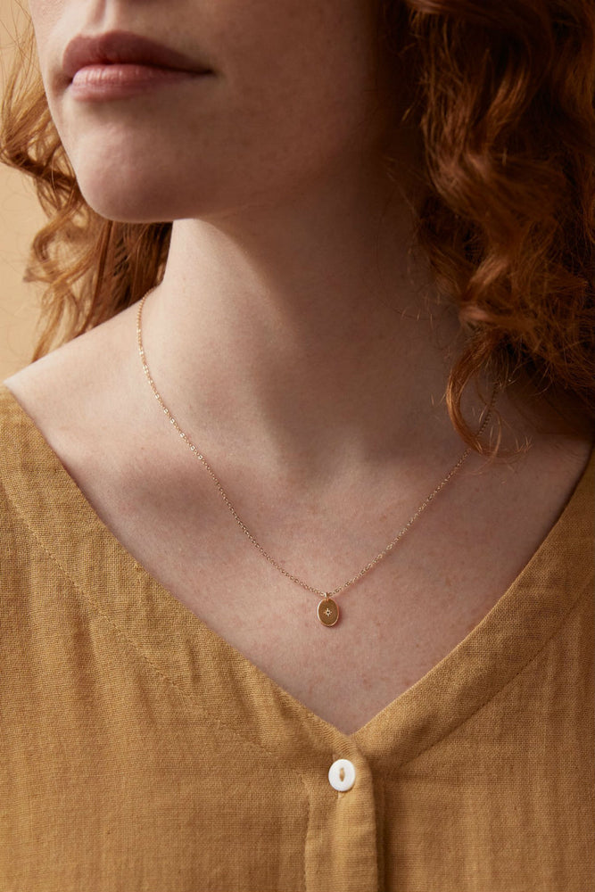 DAINTY OVAL NECKLACE Gold