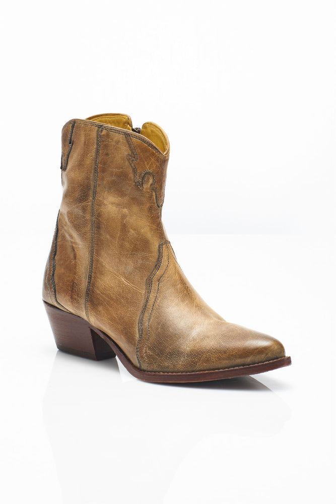 NEW FRONTIER WESTERN BOOT - DISTRESSED TAN