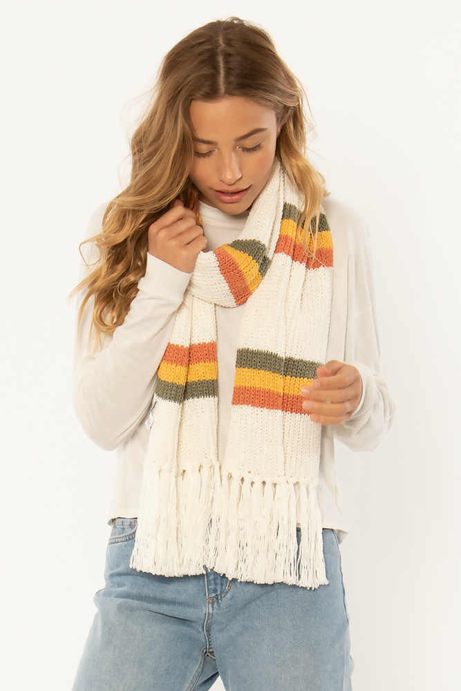 Sisstrevolution - Keep Me Bundled Knit Scarf - Vintage White - Model