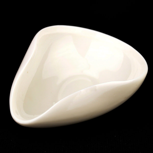 "White Porcelain ""Classic Cha He"" Presentation vessel"