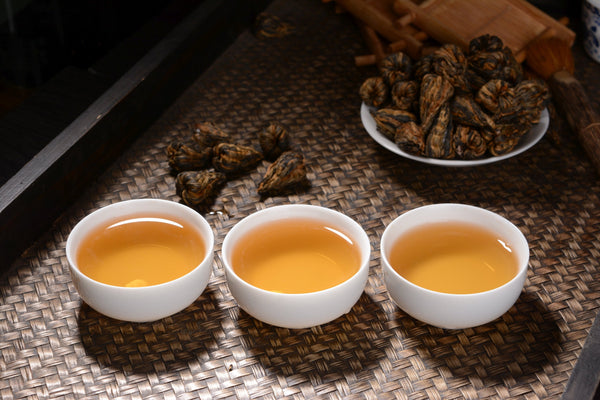 Hand-Made Flowering Black Tea Cones from Feng Qing