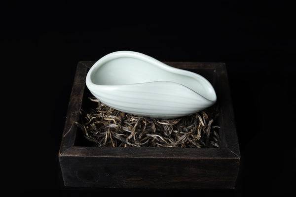 "Ru Yao Celadon ""Lily Flower"" Cha He for Tea Presentation"
