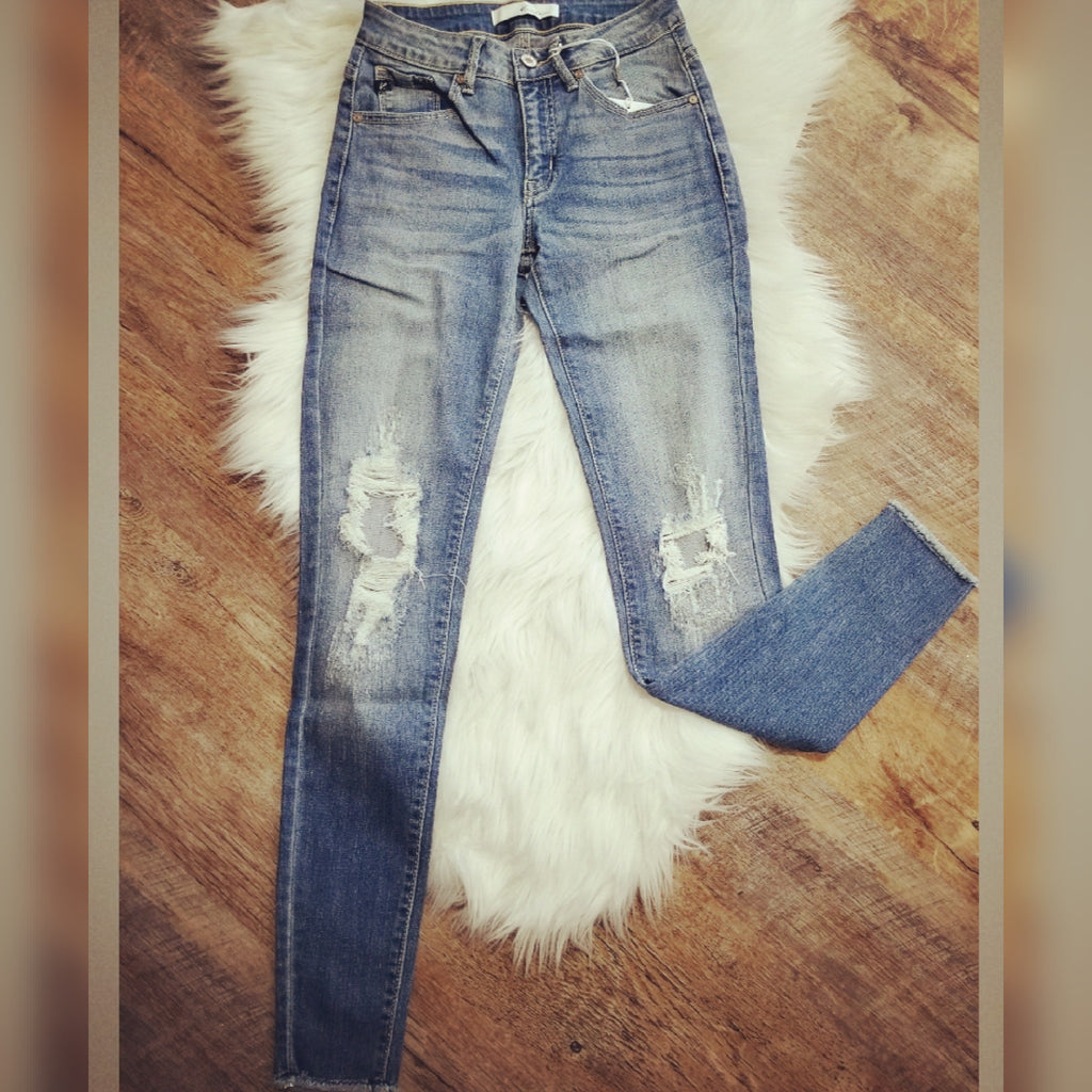 Kan Can Distressed Knee Skinnies-Light Wash