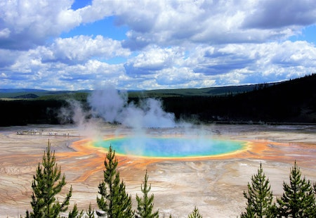 Molten Magma, Gushing Geysers & Avalanche Peak: 2 days in Yellowstone National Park