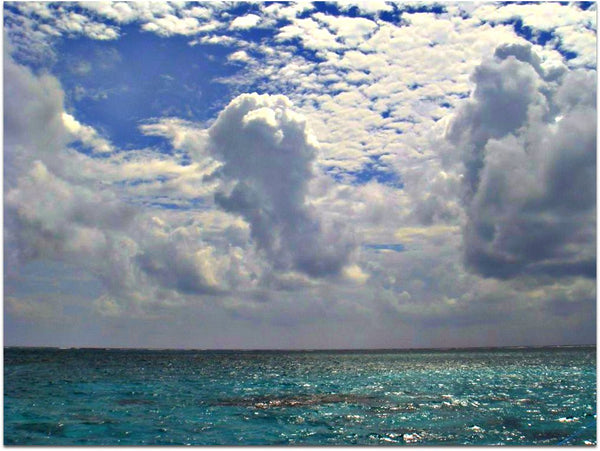 Photo by CameliaTWU Clouds over the sea, San Pedro